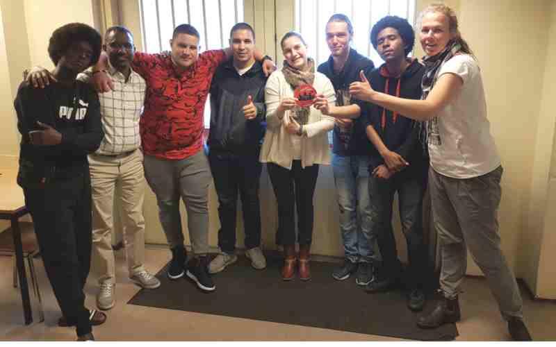 Vast en Verder crisisopvang Den Haag ontvangt voor de tweede keer de Verbetersticker!