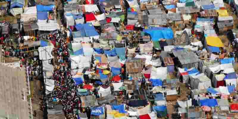 """De ontruimden ontruimd: """"Politie ontruimt slaapplekken van daklozen in Rijswijk"""""""