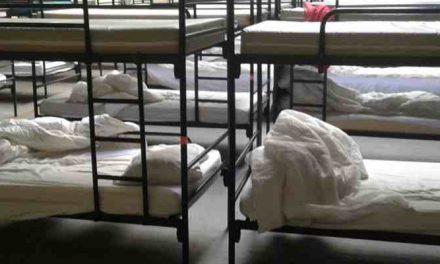 NRC: Zo ziet een overnachting in de daklozenopvang in Deventer eruit