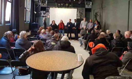 Debat: Den Haag uit zijn dak