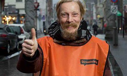 Aboutaleb benoemd tot ambassadeur van daklozenkrant Straatnieuws