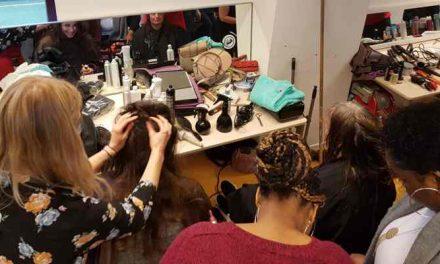 Vrouwen verwendag: Slechts één vrijwilliger voor honderd knipbeurten dakloze vrouwen