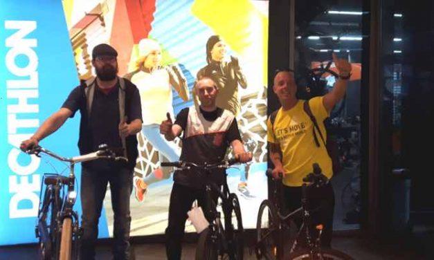 Decathlon Den Haag sponsort fietsen aan 'fiets voor niets'