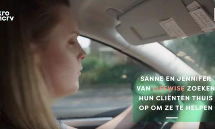 Sanne en Jennifer helpen mensen met een licht verstandelijke beperking