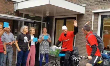 Ex-verslaafden fietsen Nederland door om jeugd te informeren