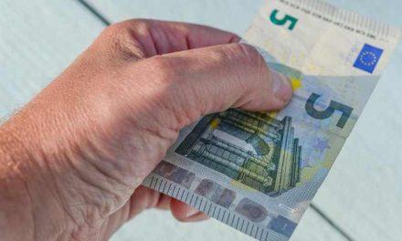 Geld geven aan een dakloze: doen of niet?