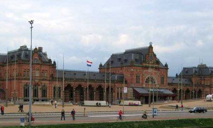 NS sluit stopcontacten stationshal Groningen af om daklozen te weren