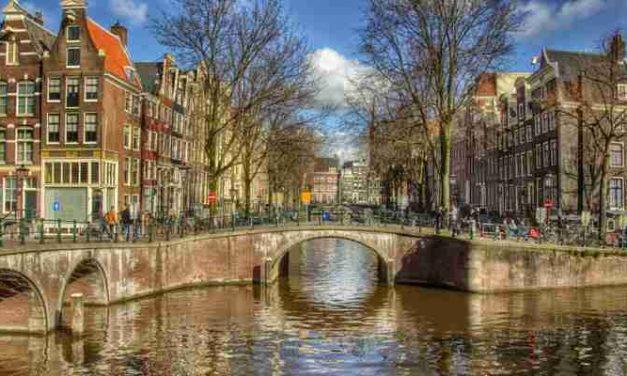 Aantal economische daklozen dat hulp zoekt in Amsterdam verdubbeld in coronacrisis