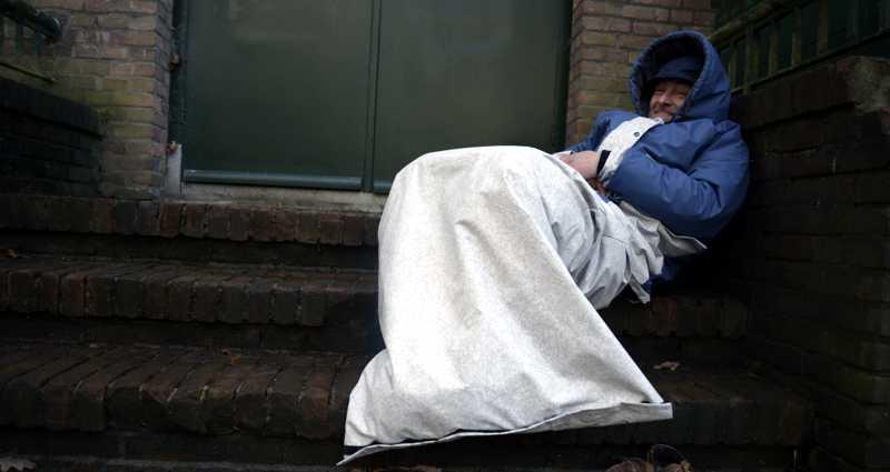 Een verdrietig moment zorgde voor de ommekeer bij Bas: hij bedacht Sheltersuits
