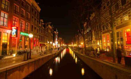 Dakloze rondleiders van Amsterdam Underground zijn voortaan eigen baas