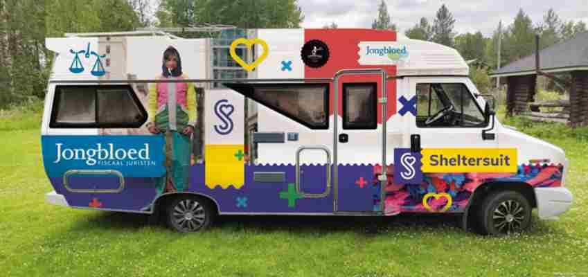 Stichting Sheltersuit gaat op tour door Europa: 'Zo lang als het mogelijk is'