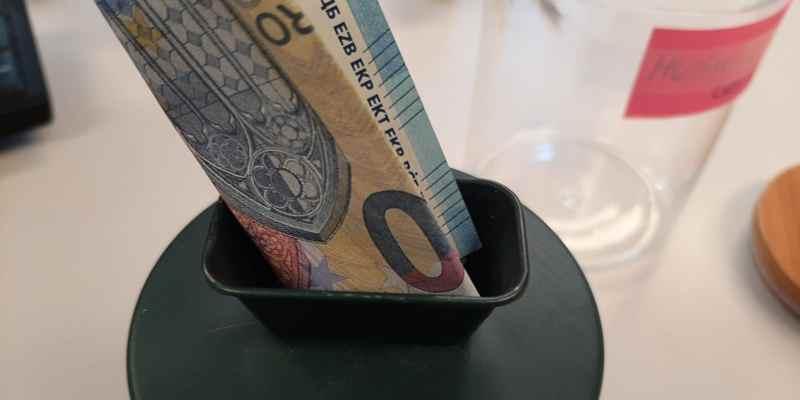 Hoe voorkom je forse schulden? Geef in Den Haag tijdelijk je vaste lasten uit handen