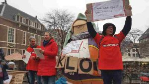 Haagse daklozen gaan straat op voor slaapplek: 'Wachtlijst is een schande'
