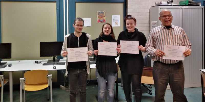 Certificaat uitreiking en Start nieuwe training Educatieproject