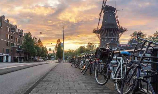 Amsterdamse daklozen moeten overdag buiten blijven