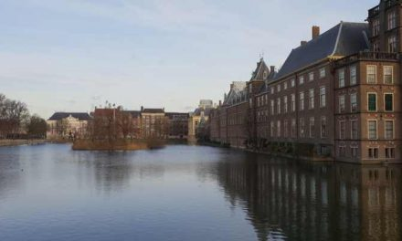 Straat Consulaat positief over beschikbare middelen en de contouren van het plan van aanpak dak- en thuisloosheid, maar de brief roept ook vragen op.