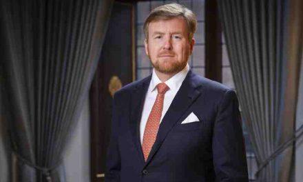 Koning met staatssecretaris Blokhuis op werkbezoek bij dak- en thuislozenopvang in Weert