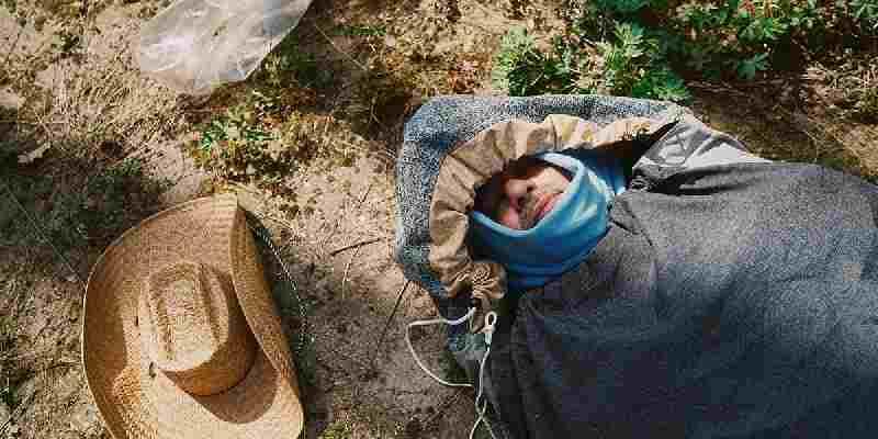 Vlissingen: Droog en warm slapen dankzij slaapzaktentjes voor dak- en thuislozen