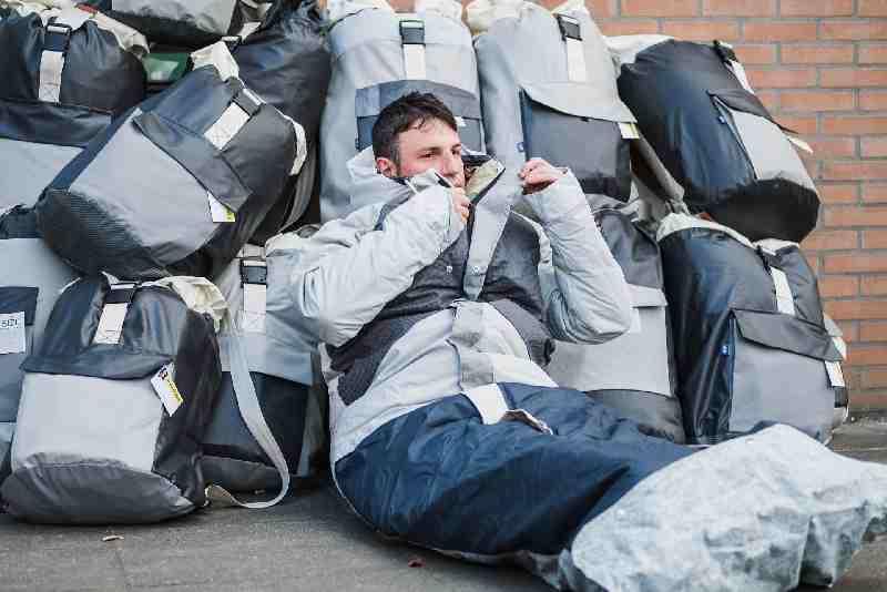 Daklozen mogen ook zonder briefje hun slaapzak uitrollen in de buitenlucht tijdens de avondklok