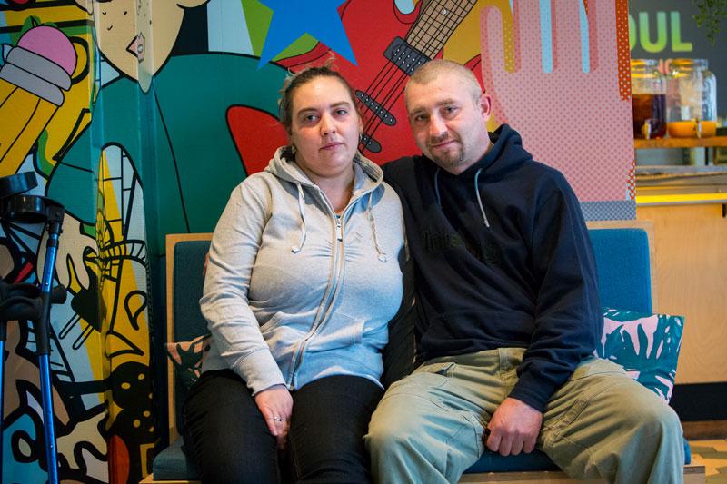 Het gezicht van de dakloze in Den Haag: Lukas en Carolina